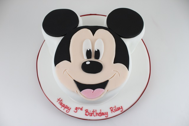 Pictures of mickey mouse face cakes for Mickey mouse face template for cake