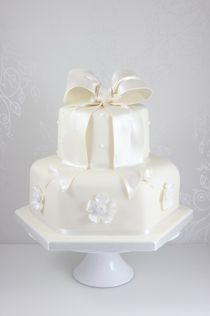 Two Tiered Square Wedding Cake Images
